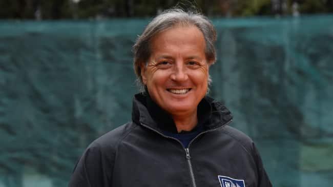 Claudio Panatta sarà nel Golfo il prossimo weekend. A Torraca intitolerà l'impianto sportivo ai calciatori Aldo e Gino Paesano.