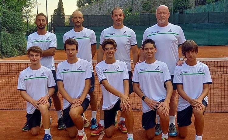 La formazione del Tennis Forza e Costanza, in gara nel campionato di Serie C