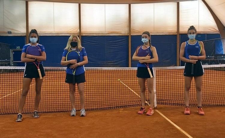 La formazione del Tc Crema che ha vinto all'esordio in Serie C. Da sinistra: Marcella Cucca, Daniela Russino (cap.), Giulia Finocchiaro e Lidia Mugelli