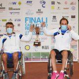 Dario Benazzi (sinistra) e Giovanni Zeni hanno consegnato alla Canottieri Baldesio di Cremona il titolo regionale a squadre di tennis in carrozzina (foto Antonio Di Leo)
